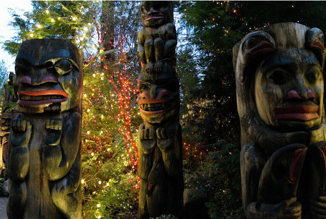 capilano-suspension-bridge-totems