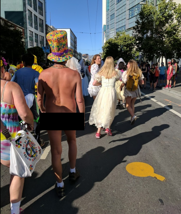 Bay to Breakers: A nudie run