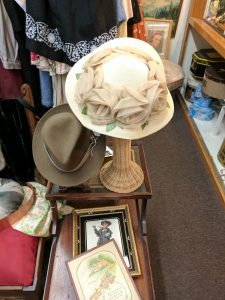 Vintage hats, Sonora
