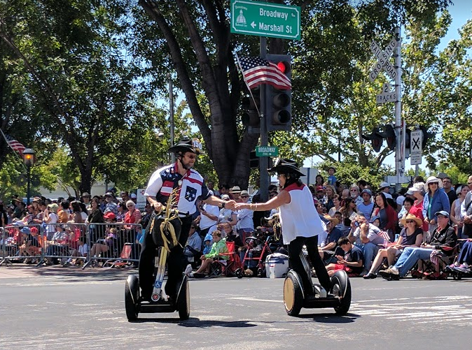 4th-of-july-electric-power-segway-dancers
