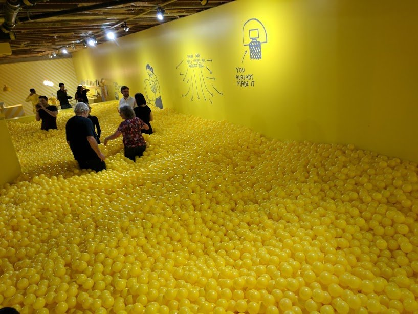 Color-factory-ballpit