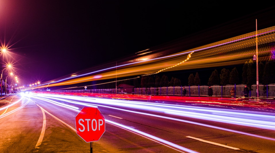 Get ready to encounter lots of stop signs while driving in the US