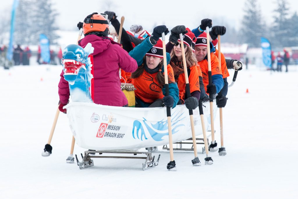 Ottawa-Winter-Activities-Ice-Dragon-boat-racing