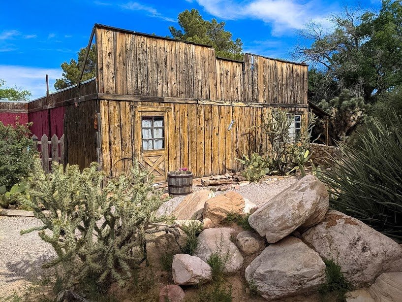 Day Trip from Las Vegas to Bonnie Springs Ranch