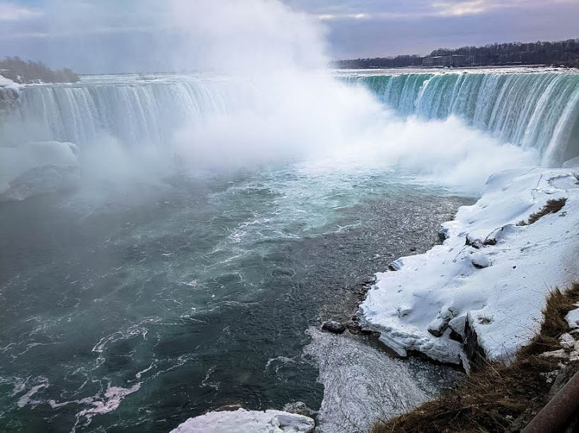 Horseshoe Falls in Winter
