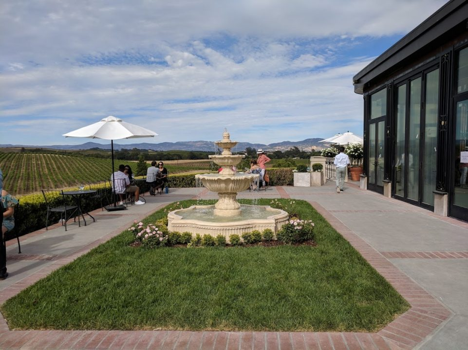 Domaine-Carneros-Terrace-Fountain