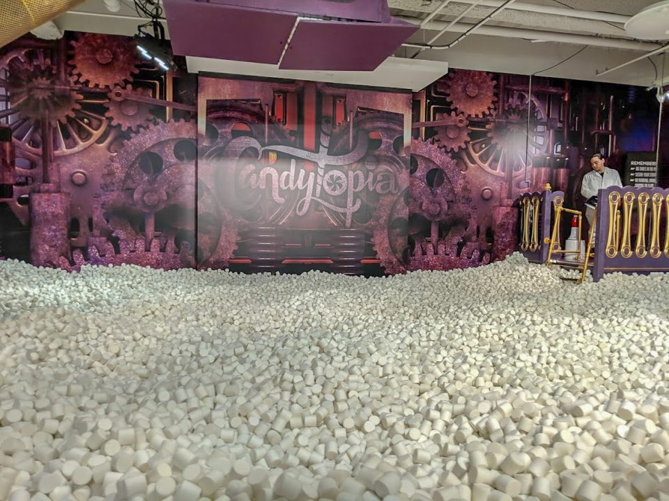 Candytopia Marshmallow pool