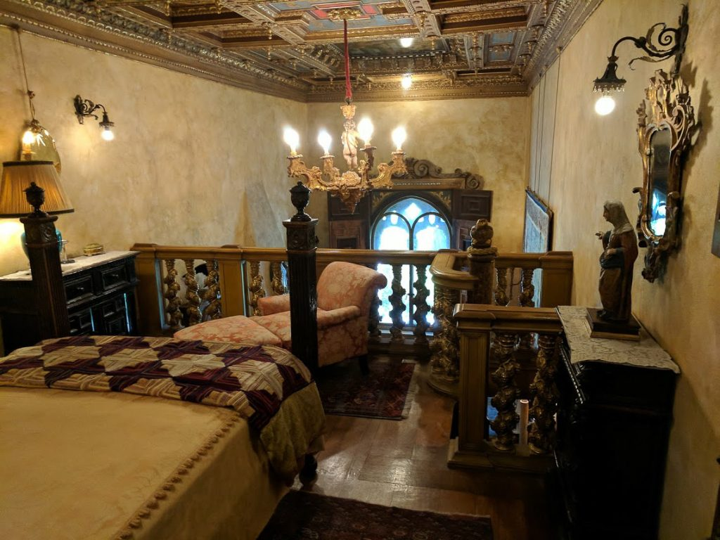 Hearst Castle Duplex Bedroom