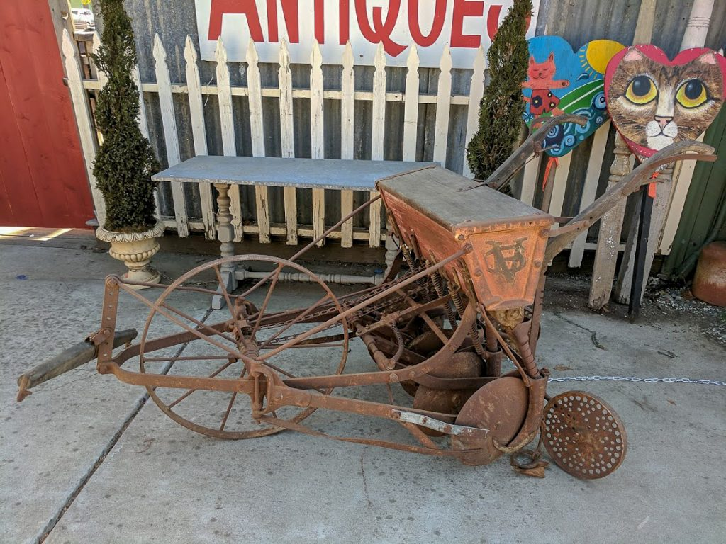 Shopping for Antiques in Cambria