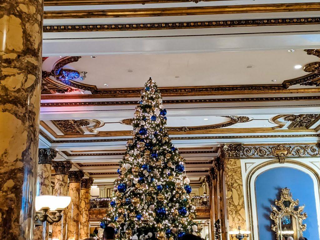 Christmas tree at Fairmont San Francisco